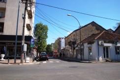 Poslovni prostor – kuća, centar grada, mogućnost gradnje