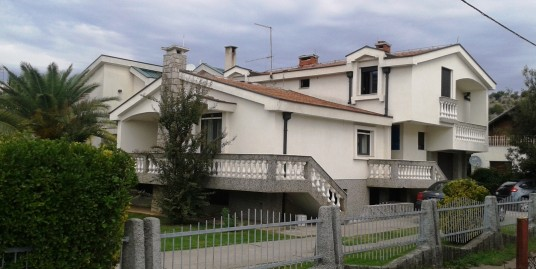 House for sell 280m2 with garden in a great location
