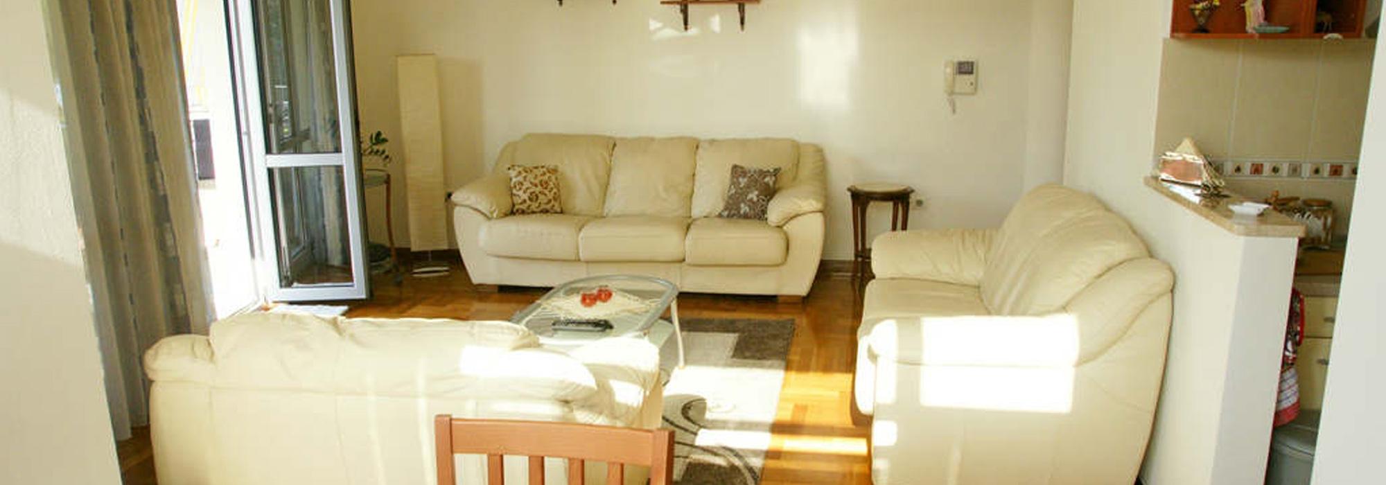 Apartment Budva, 54m2, furnished, great location