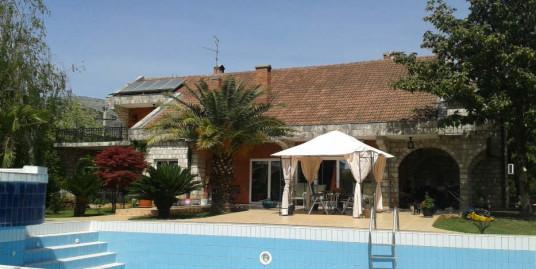 House 350m2, garden 5000m2, swimming pool