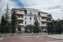 Apartment 180m2, great location, 5 bedrooms, garage